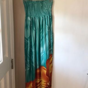 NWOT Hibiscus M Dress